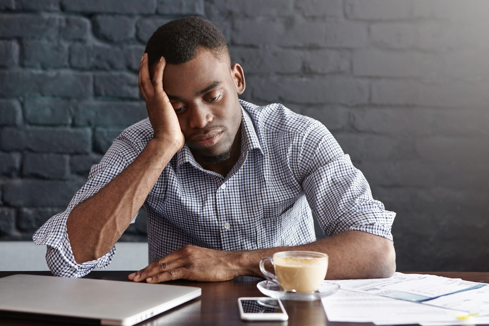 Signs and Symptoms of Iron Deficiency in Men and Women